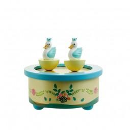 Carillon di legno, cigni ballando