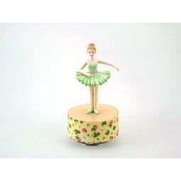 Ballerina in posizione tre