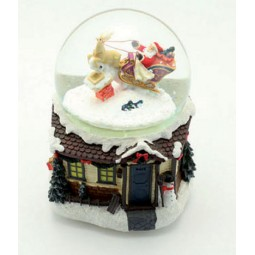 Palla di  neve con Babbo Natale e slitta